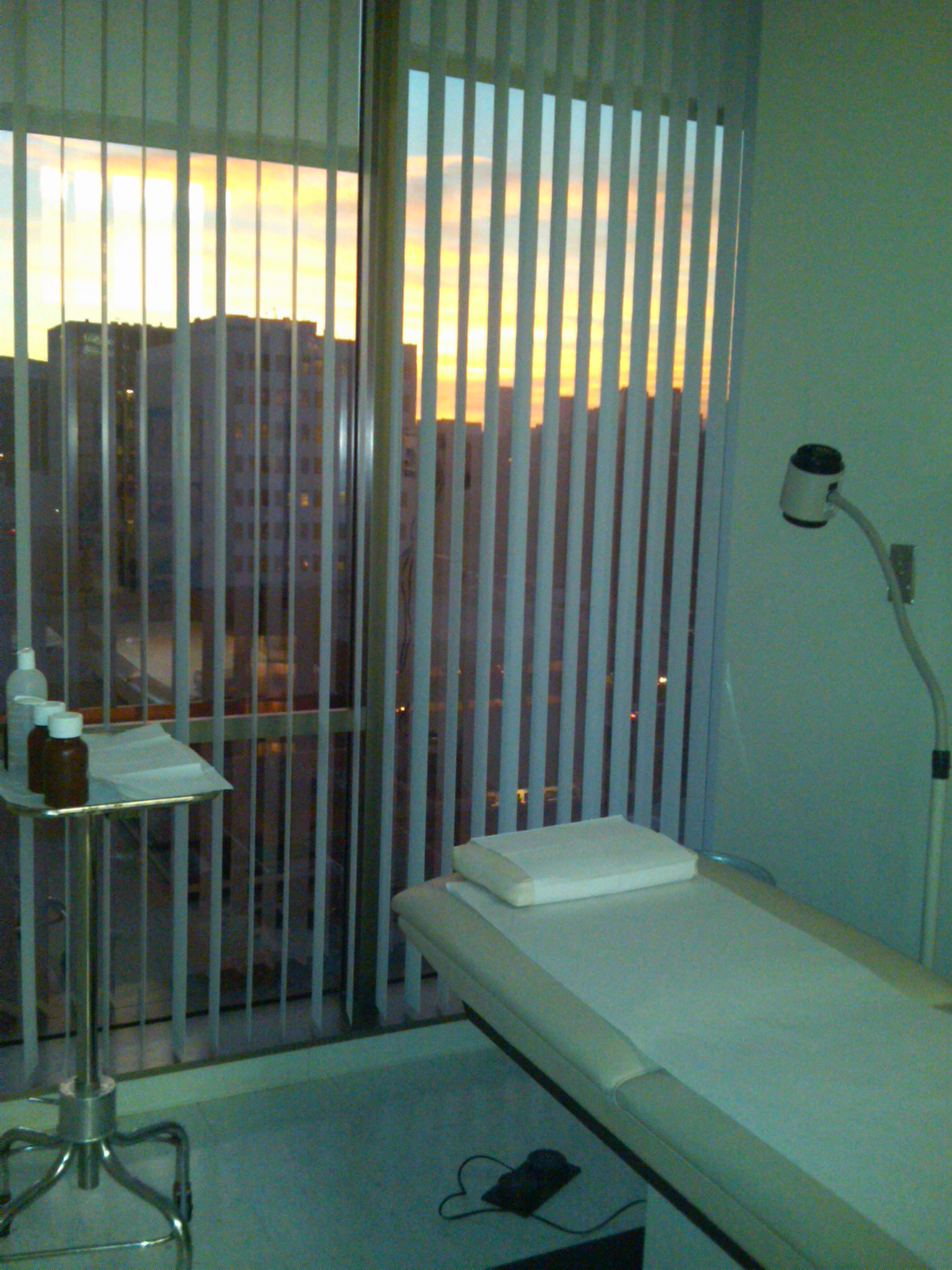 Treatment room at Beverly Hills Dermatology Consultants